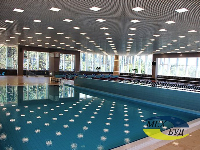 потолок в бассейне - 593fe18ae33ae Bez imneni 1 nlz87j - Металлические подвесные потолки для бассейнов и аквапарков