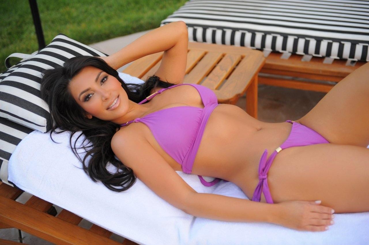 Kim kardashian swim suit