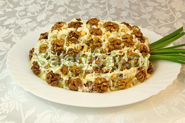 Слоеный салат с ананасом рецепт с фото