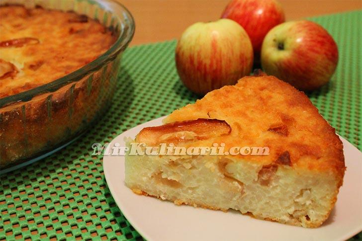 Творожная запеканка с яблоками и рисом