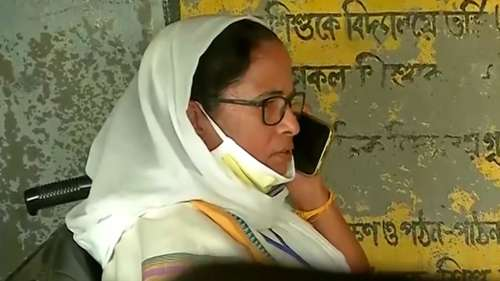 Setback for Mamata: High Court refuses to stay NHRC probe into post-poll violence