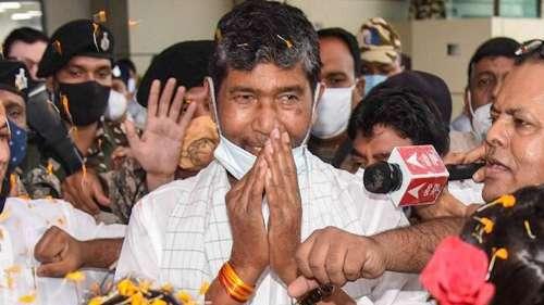LJP family feud: राष्ट्रीय कार्यकारिणी की बैठक में पशुपति कुमार पारस को पार्टी अध्यक्ष चुना गया