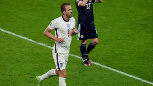 Euro 2020: England held to a frustrating goalless draw by neighbours Scotland