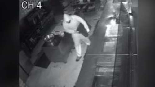 Man offers job to robber