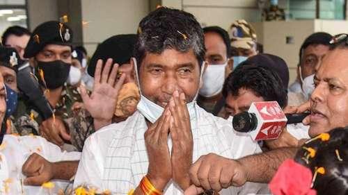 Chirag Vs Paras: पशुपति पारस ने LJP की सभी समितियों को किया भंग, बनाई नई राष्ट्रीय कार्यकारिणी