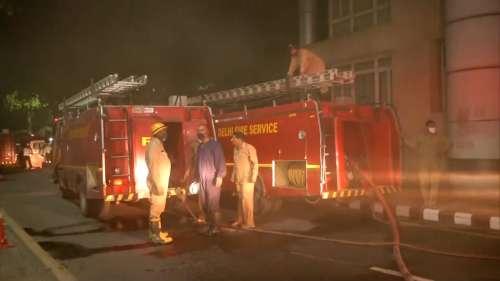 Delhi AIIMS Fire: दमकल की 26 गाड़ियों ने आग पर पाया काबू, किसी के हताहत होने की सूचना नहीं