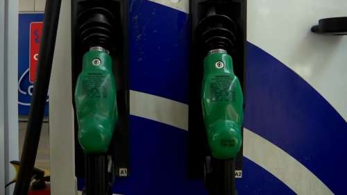 Petrol price surges to ₹100/litre across the country; Prices hiked again