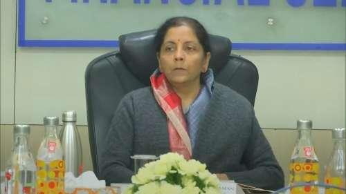 नए साल पर वित्त मंत्री ने दिया तोहफा, 1 जनवरी से नहीं लगेगा MDR पर फीस