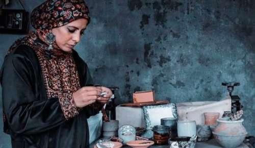 Meet Kashmir's potter girl