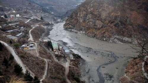 Uttarakhand: भारी बारिश के बाद दिखा गंगा का रौद्र रुप, कई नदियां खतरे के निशान से ऊपर
