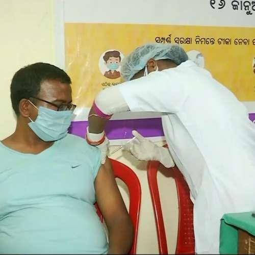 Record Covid Vaccination: भारत में एक दिन में रिकॉर्ड 47 लाख लोगों को लगाई गई कोरोना वैक्सीन