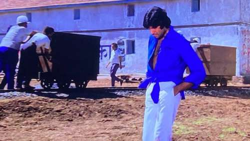 Was Amitabh Bachhan's knotted shirt in Deewar a fashion statement or a tailoring glitch?