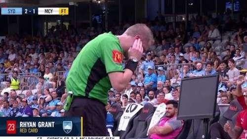 Mic'd up Australian referee explains VAR