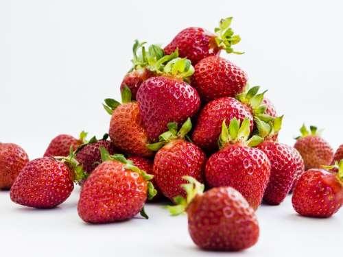 Reasons to eat strawberries