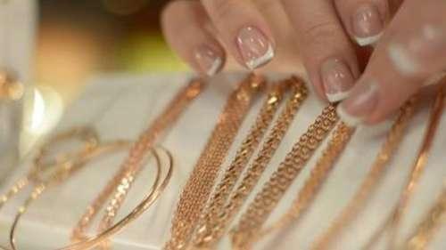Gold prices slide 5%