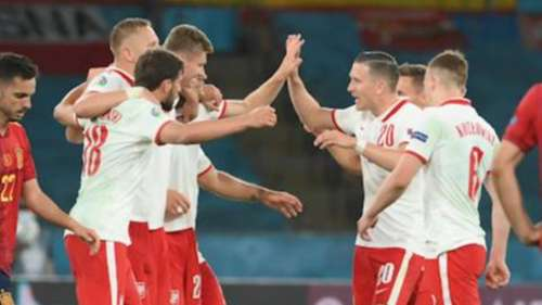 Poland and Spain tie 1-1
