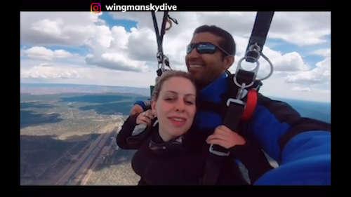 प्यार का 'हवाई' इज़हार