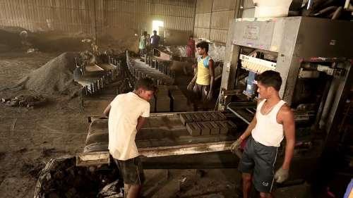 Ordnance Factory Board: आधुनिक होंगी देश की आयुध फैक्टरियां, 7 कंपनियों में किया जाएगा विभाजित
