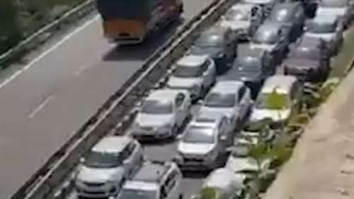 Watch: Massive jam as tourist cars line up at Himachal entry