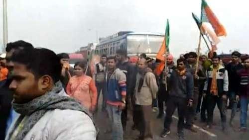 BJP का आरोप - प्रदर्शन कर रहे कार्यकर्ताओं को TMC कार्यकर्ताओं ने पीटा