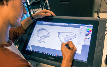 Martin Skogholt sketching on Warcom Cintiq.