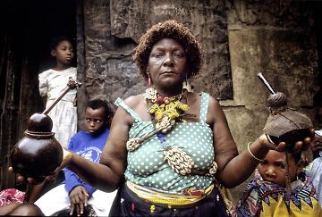 MOZAMBICO - CURANDEIROS