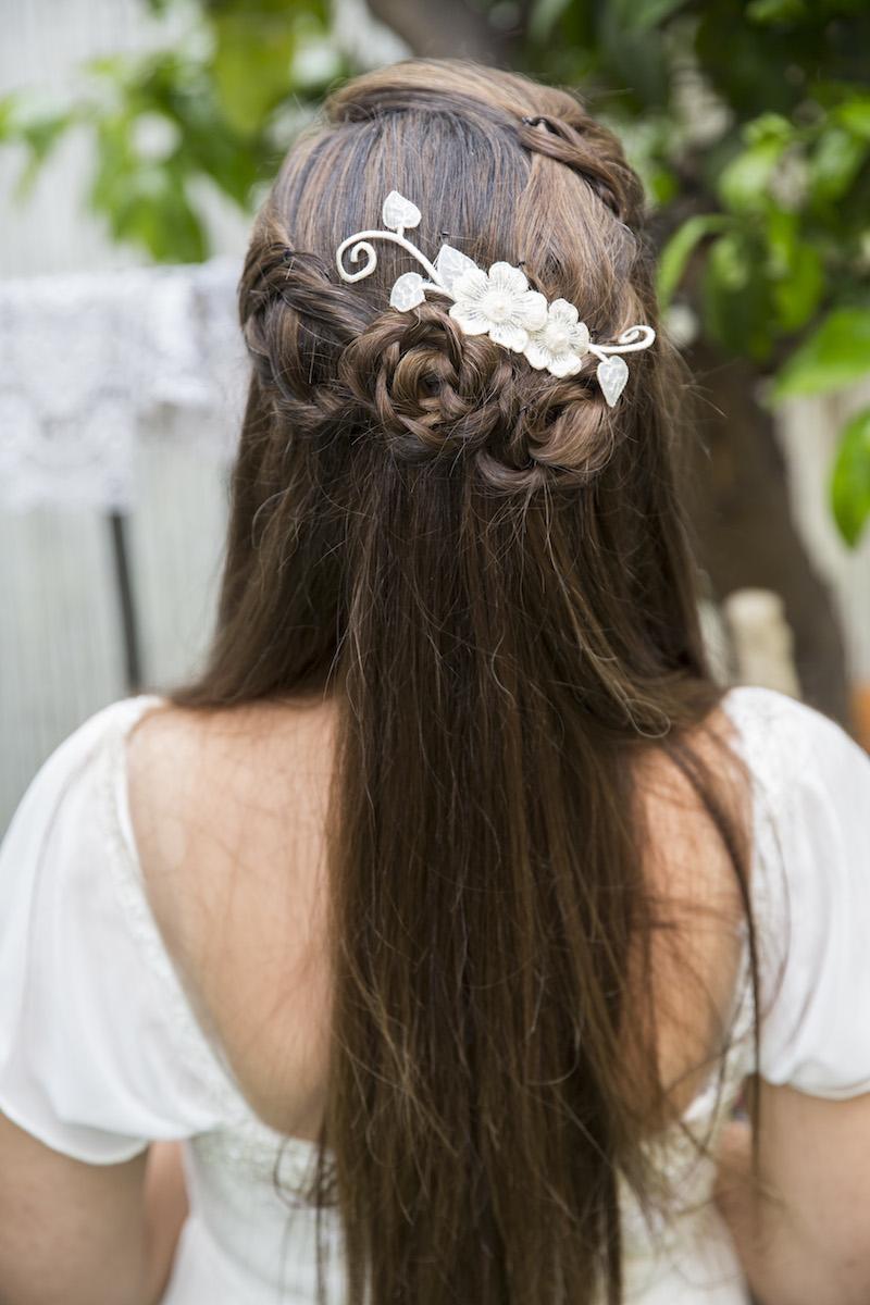 תסרוקת כלה שיער פזור / עיצוב שיער ואיפור עינב בר