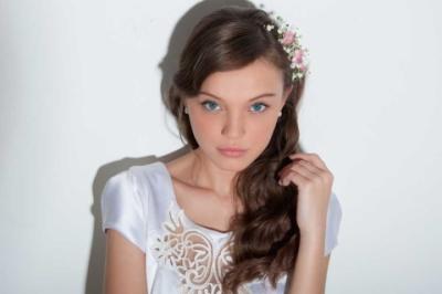 עיצוב שיער ואיפור עינב בר | שמלות כלה: ליליום