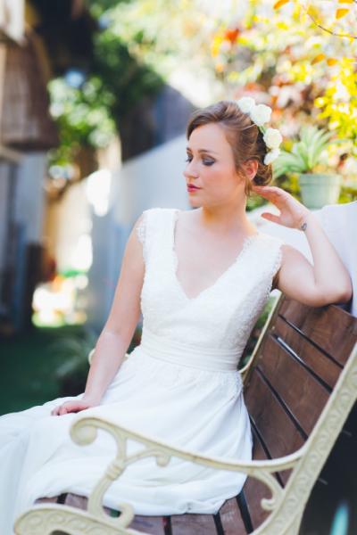עיצוב שיער ואיפור עינב בר | צילום: שי שחר | שמלות: פפיליו