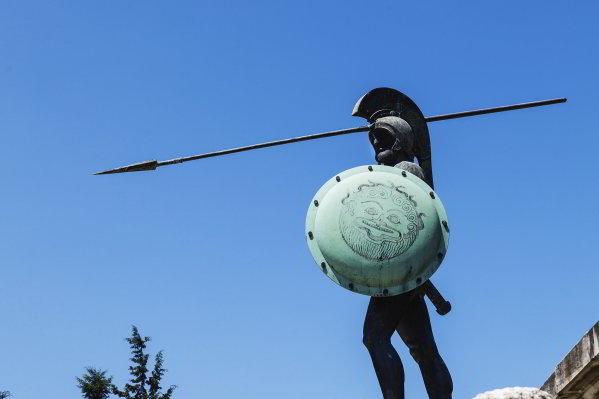 greek-thermopylae-warrior-statue-outside-kamena-vourla.ashx