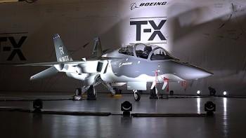 波音公司和萨博首次亮相的T-X第五代战斗机训练