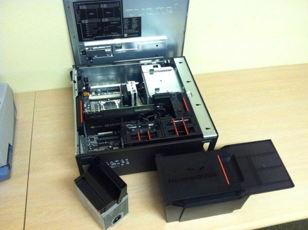 P700 workstation, internal view. (Image courtesy of the author.)