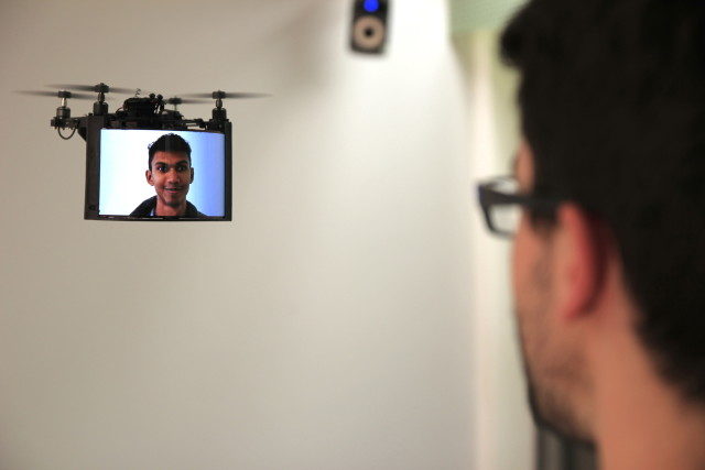 DisplayDrones are fitted with a flexible high-resolution touchscreen, forward facing video camera and Android smartphone board. (Image courtesy of Queens University.)