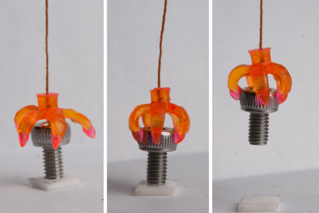 3-D printing structures that change back to their original shape