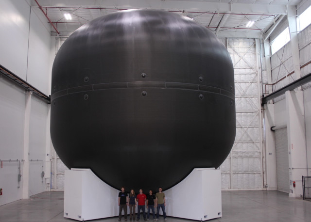 The first carbon fiber fuel tank. (Image courtesy of SpaceX.)