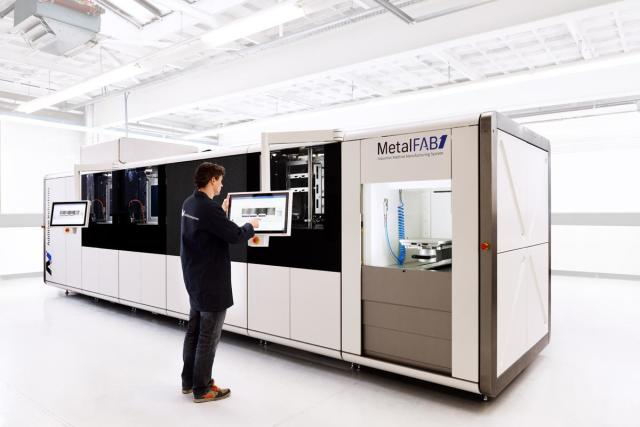 The MetalFAB1 3D printing device of Additive Industries has a number of high end control and automation showcases created in. (Image courtesy of Additive Industries.)