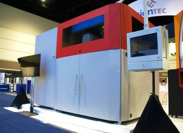 The SLCOM 1 3D printer is capable of 3D printing large-scale composite parts.