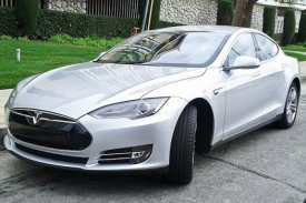 Tesla Motors Trademark infrigement, Zhan Baosheng suing, Telsa Trademark, China hot electrical vehicle