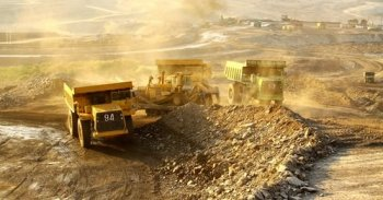 Gold_Mining_Contributing__171B_to_World_Economy.jpg