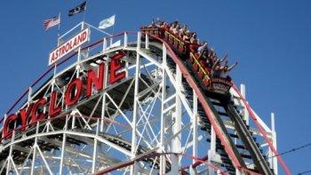 Roller_Coaster_Drop.jpg