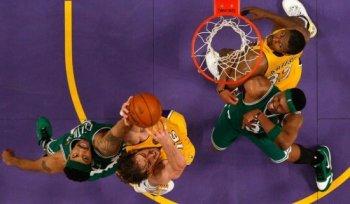 Pau_Gasol_NBA_Rebound.jpg