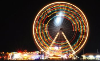 Illuminated_Ferris_Wheel.jpg