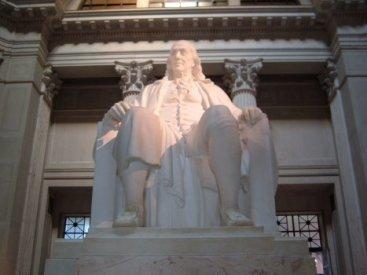 Ben_Franklin_Statue.jpg
