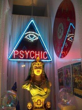 psychic_72085_640.jpg