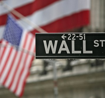 Wall Street Dips Into the Red
