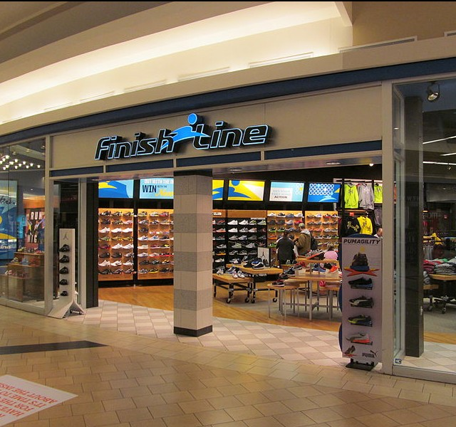 Finish Line Boosts Expectations, Pens Deal with Macy's