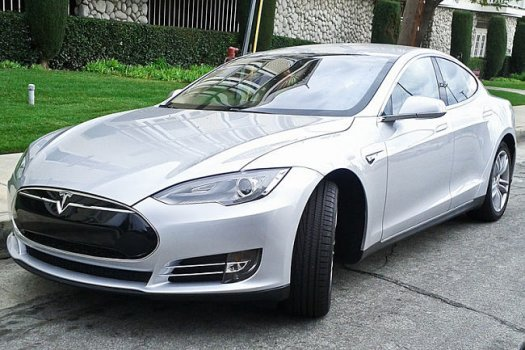 Tesla_Model_S____Wiki_Commons.jpg