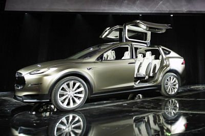 Tesla_Model_X_Geneva_2012____Wiki_Commons.jpg