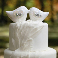 New Styles in Wedding Cake Toppers