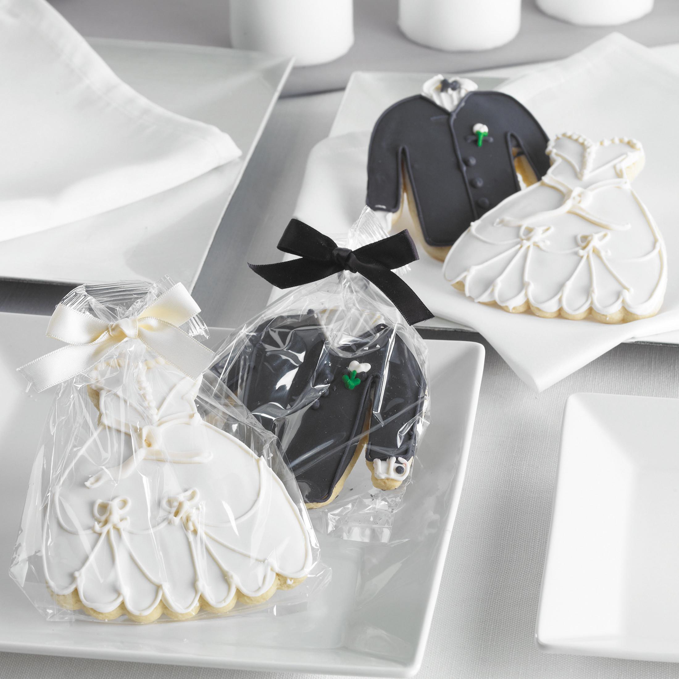 bride and groom cookie wedding favors cookie wedding favors